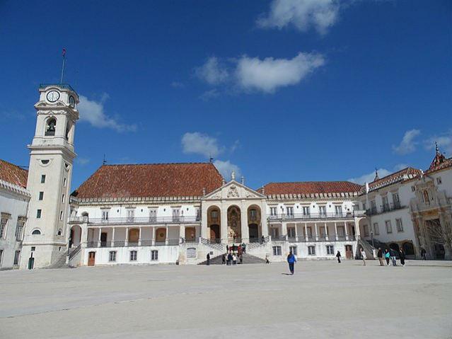 Estudar em Portugal   Universidade de Coimbra   Foto: Natalia Postawa, via Wikimedia Commons