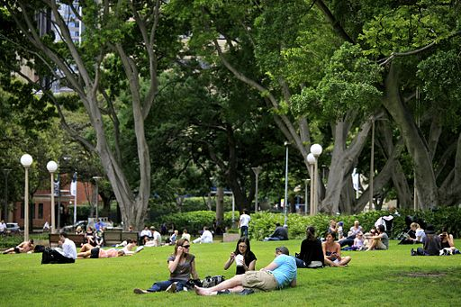 Foto: Alex Proimos via Wikimedia Commons | Lunchtime crowd at Hyde Park