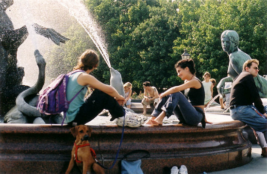 Neptunbrunnen, Alexanderplatz | Foto by Mike Kaden via Wikimedia Commons