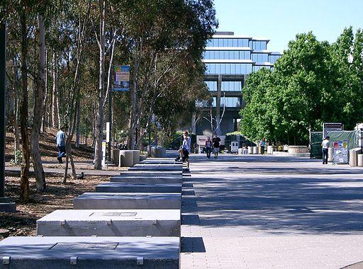 Sul da Califórnia   UCSD library walk   Foto: Foto: Znode, via Wikimedia Commons