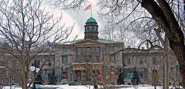 Estudar em francês no Canadá | McGill University, Montreal | Foto: Paul Lowry, via Wikimedia Commons