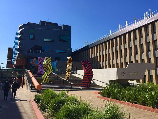 La Trobe University | Foto: Bridietmckenzie, via Wikimedia Commons