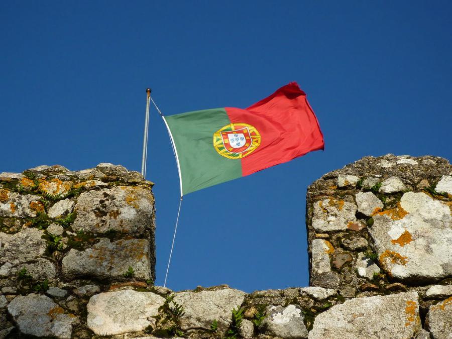 Doutorado e pós-doc em Portugal   Foto: Edgar Jimenez, via Wikimedia Commons