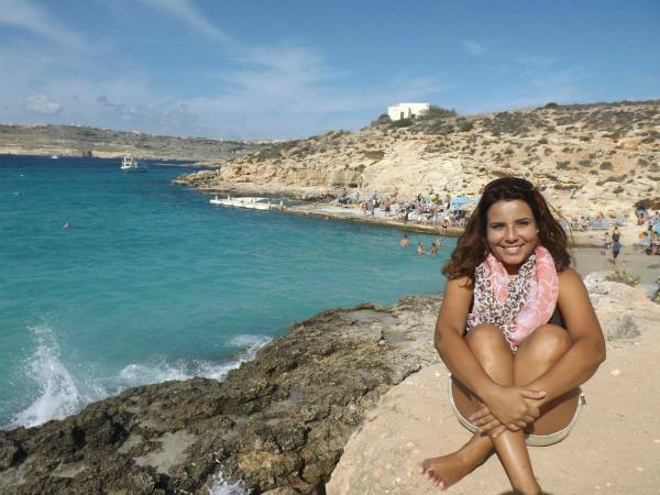 Daniela em comino, sul da ilha | Foto: Daniela B. Loyola