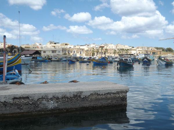 Luzzus en Marsaxlokk | Foto: Daniela B. Loyola