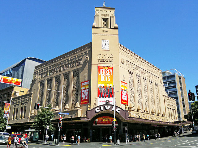 Civic Theatre, Queen St. | Foto Chewy Pineapple, via Wikimedia Commons