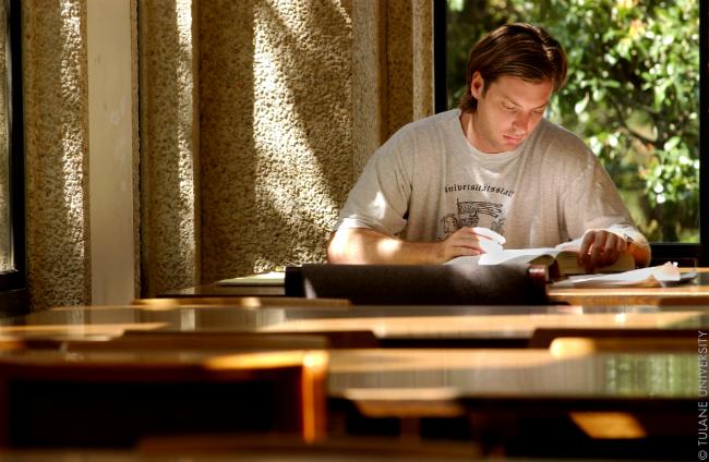 Estudar para o TOEFL | Foto: Tulane Public Relations via Wikimedia Commons