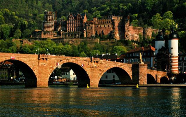 Castelo e ponte de Heidelberg | Foto: Rane.abhijeet, via Wikimedia Commons