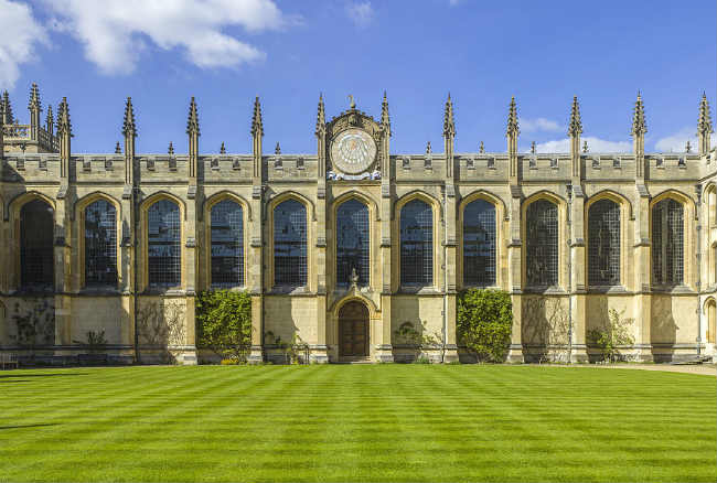 Pós-graduação em Oxford | All Souls College, University of Oxford | Foto: Andrew Shiva, via Wikimedia Commons