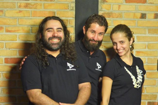 Vestibular em Cena | Os Professores Rafael Prianti, Fábio Monteiro e Lívia Sierra | Foto: Rodrigo Fernandez