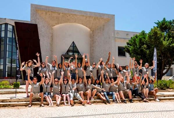 Alunos bolsistas do programa Mid Season Campus na Universidade do Algarve   Crédito: Divulgação