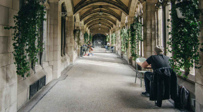 Universidade de Toronto   Foto: Viv Lynch, via Flickr