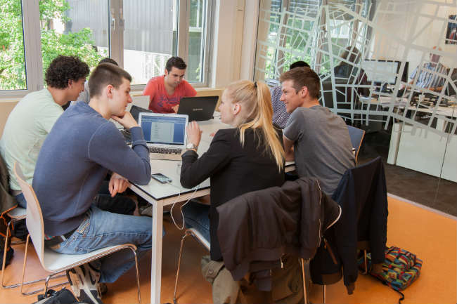 Breda University of Applied Sciences - Trabalhos em grupo - Logística   FOTO: BUas