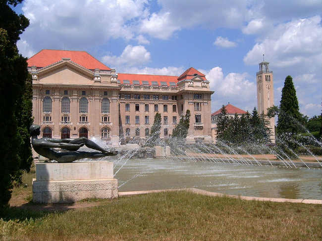 University of Debrecen, Hungria | Foto: Horváth Árpád, via Wikimedia Commons