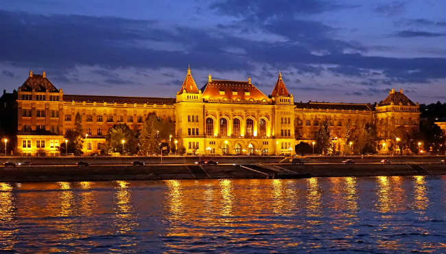 Budapest University of Technology and Economics, Hungria | Foto: Dennis Jarvis, via Flickr